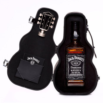 Jack Daniels Old No.7 Tennessee Whiskey Guitar Gift Pack, 70cl