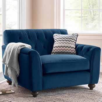 Avante Button Back Velvet Snuggler Chair with Accent Pillow, Indigo Blue