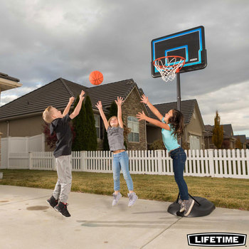 Lifetime 32 Inch (81.28 cm) Youth Portable Basketball Hoop