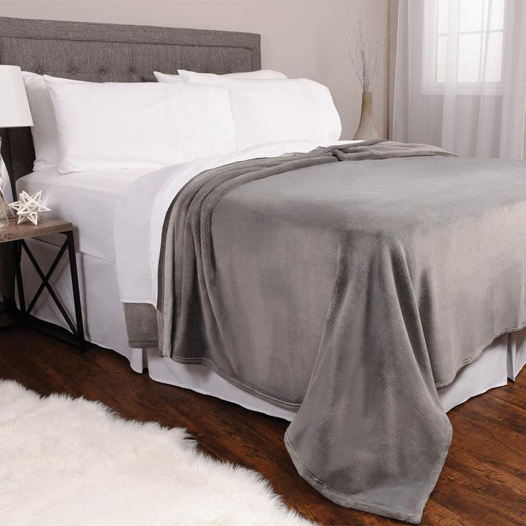 Costco Furniture Kirkland: Kirkland Signature King Size Plush Blanket In 2 Colours