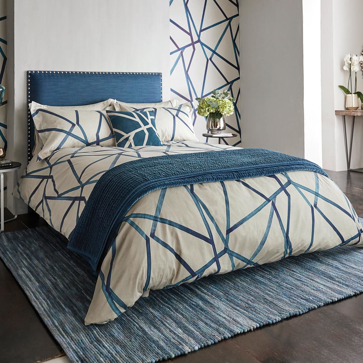 Harlequin 300 Thread Count Cotton Sateen 5 Piece King Size Bed Set In 3 Styles Costco Uk