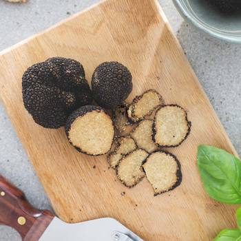 Truffle Hunter Fresh Black Summer Truffles (Tuber Aestivum) in 3 Sizes