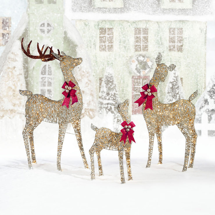 indooroutdoor christmas reindeer family set of three with 656 led lights