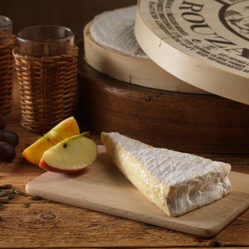 Brie de Meaux, 3kg Minimum Weight (Serves 28-30 people)