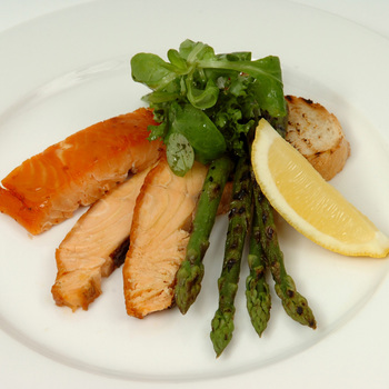 Coln Valley Kiln Roasted Salmon, 800g (Serves 6-8 people)