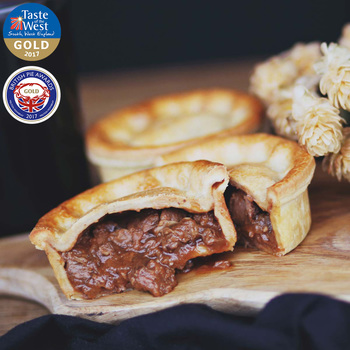 Tom's Pies Steak & Devon Blue Cheese Pies, 12 x 260g (Serves 12 people)